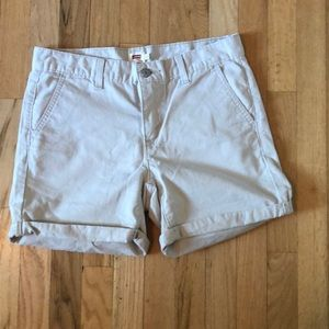 Levi's Tan Rolled Cuff Shorts size 29